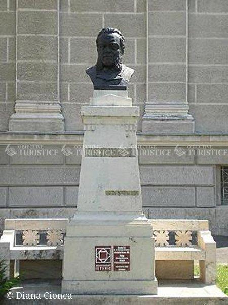 Bustul lui A. D. Xenopol