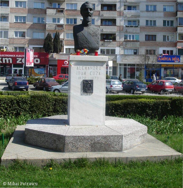 Statuia lui Alexandru Ioan Cuza