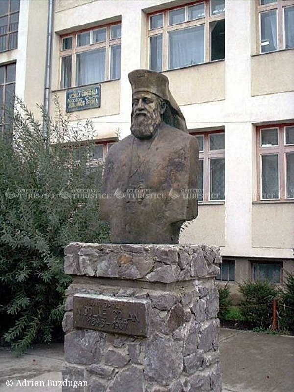 Bustul lui Nicolae Colan