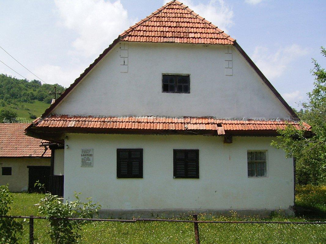 Casa memoriala Valer Puscariu - sat Simon