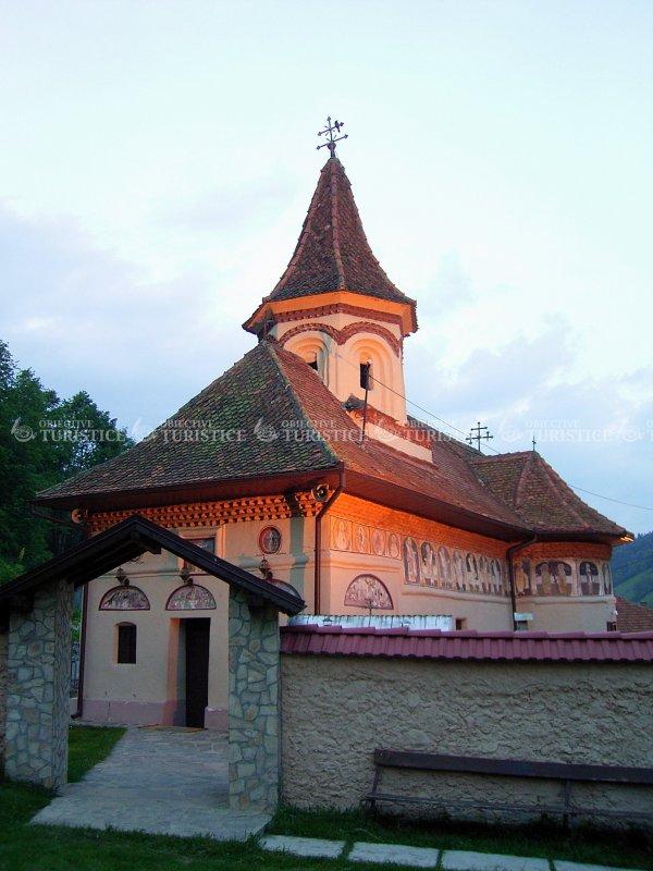 Biserica Adormirea Maicii Domnului - sat Cheia