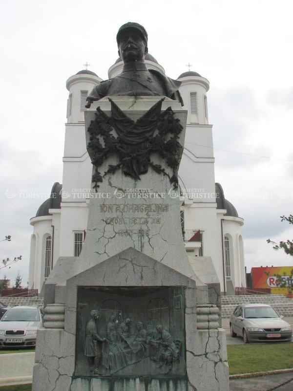 Statuia Generalului Ioan Dragalina