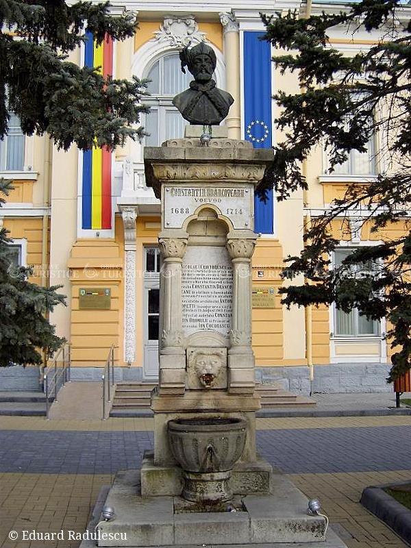 Statuia lui Constantin Brancoveanu