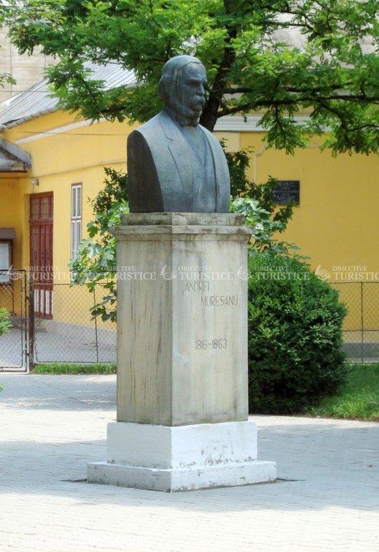 Bustul lui Andrei Muresanu