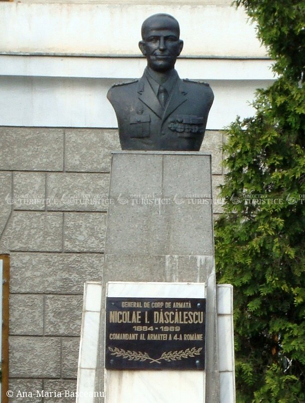 Bustul lui  Nicolae I. Dascalescu