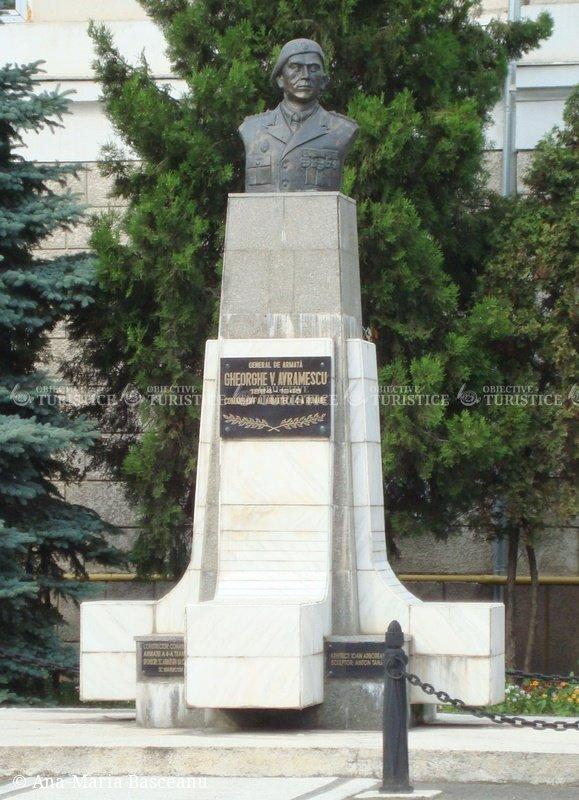 Statuia lui Gheorghe V. Avramescu