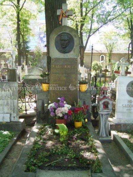 Mormantul lui Mihai Eminescu