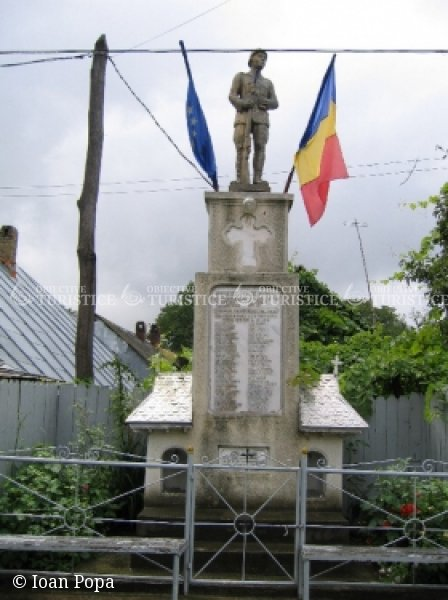 Monumentul eroilor neamului din Hlapesti