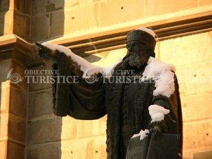 Statuia Johannes Honterus