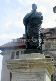 Statuia poetului roman Ovidius Publius Naso