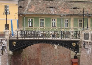 Podul Mincinosilor