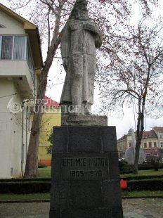 Statuia lui Eftimie Murgu