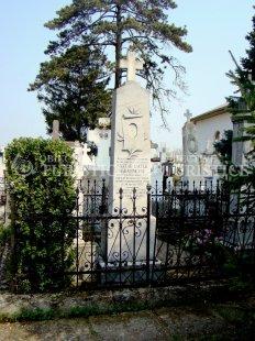 Mormantul - Monument funerar Valter Maracineanu