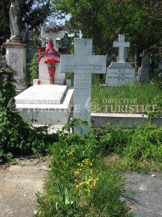 Mormantul pictorului Ion Tuculescu