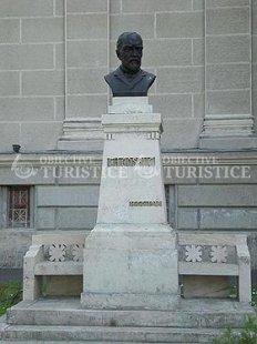 Bustul lui George Cosbuc