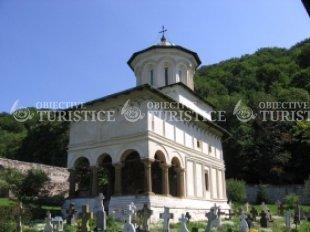 Biserica din cimitirul manastirii