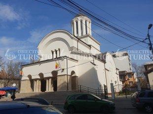 Biserica Sfinții Împărați Constantin și Elena și Cuvioasa Paraschiva